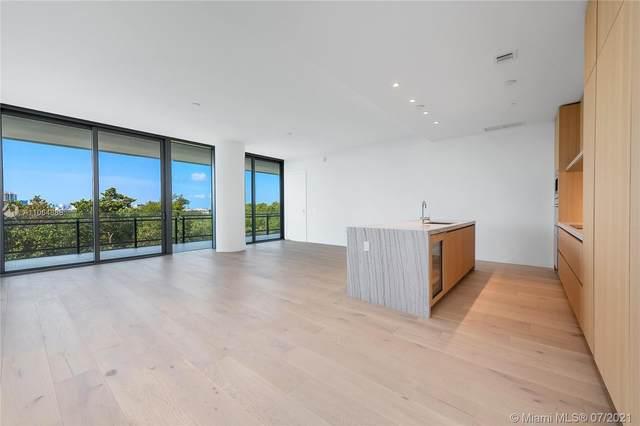 8701 Collins Ave #404, Miami Beach, FL 33154 (MLS #A11064888) :: Berkshire Hathaway HomeServices EWM Realty