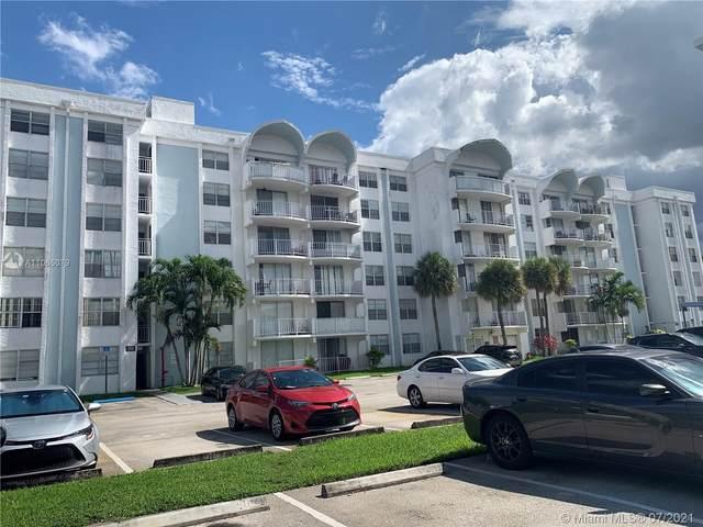488 NW 165th St Rd B210, Miami, FL 33169 (#A11065079) :: Dalton Wade