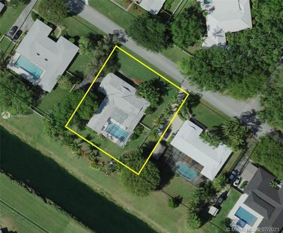 16240 SW 88th Ave Rd, Palmetto Bay, FL 33157 (MLS #A11065902) :: The Rose Harris Group