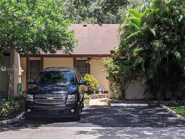 1530 NW 96th Ave #1530, Pembroke Pines, FL 33024 (MLS #A11065982) :: The Rose Harris Group