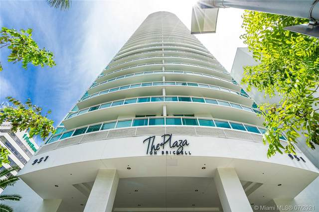 951 Brickell Ave #1602, Miami, FL 33131 (MLS #A11066097) :: The Howland Group