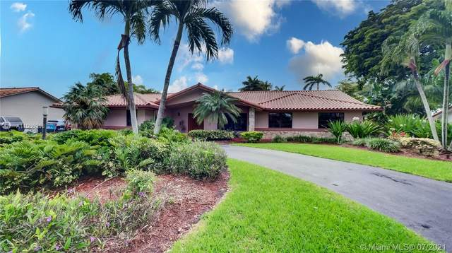 9721 SW 124th Ct, Miami, FL 33186 (MLS #A11066208) :: Prestige Realty Group