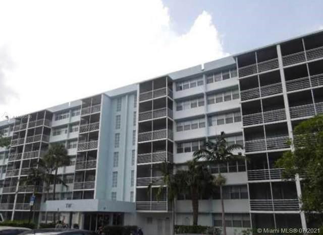 700 NW 214 #101, Miami Gardens, FL 33169 (#A11066288) :: Dalton Wade