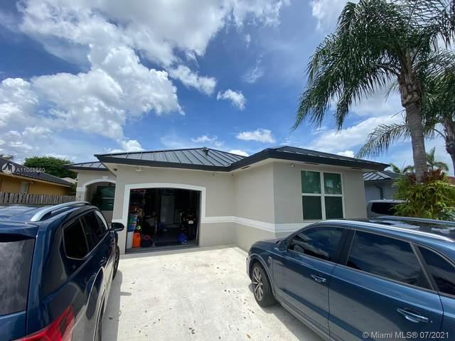16119 SW 68th Ter, Miami, FL 33193 (MLS #A11066560) :: Castelli Real Estate Services