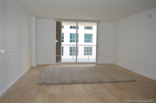 1200 Brickell Bay Dr #2206, Miami, FL 33131 (MLS #A11066563) :: The Howland Group