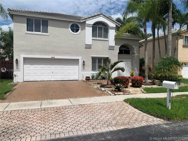 2635 N Rampart Way N, Cooper City, FL 33026 (MLS #A11066617) :: Onepath Realty - The Luis Andrew Group