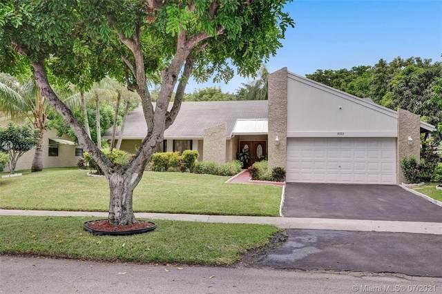 8001 NW 47th Ct, Lauderhill, FL 33351 (MLS #A11066847) :: Equity Advisor Team