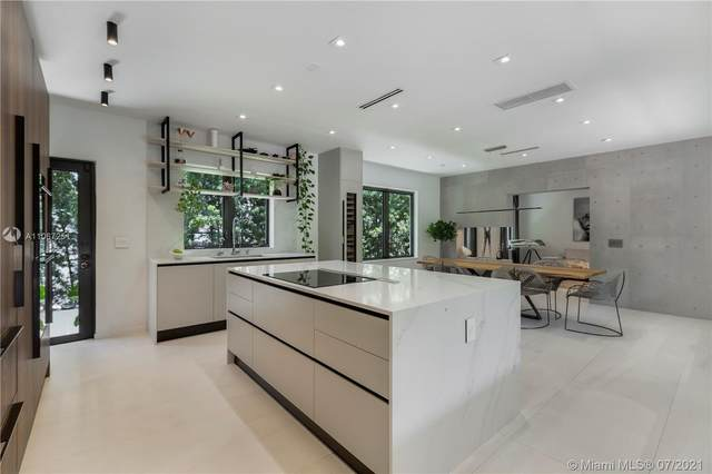 725 W 49th St, Miami Beach, FL 33140 (MLS #A11067251) :: Berkshire Hathaway HomeServices EWM Realty