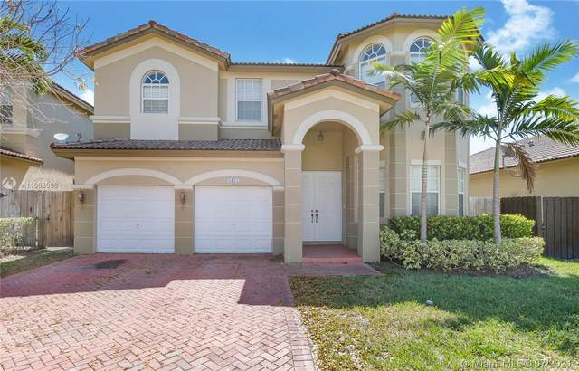 8423 NW 110th Ave, Doral, FL 33178 (MLS #A11068098) :: The Teri Arbogast Team at Keller Williams Partners SW