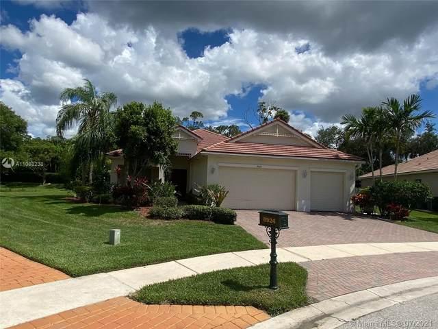 8924 New Hope Ct, Royal Palm Beach, FL 33411 (MLS #A11068238) :: Team Citron