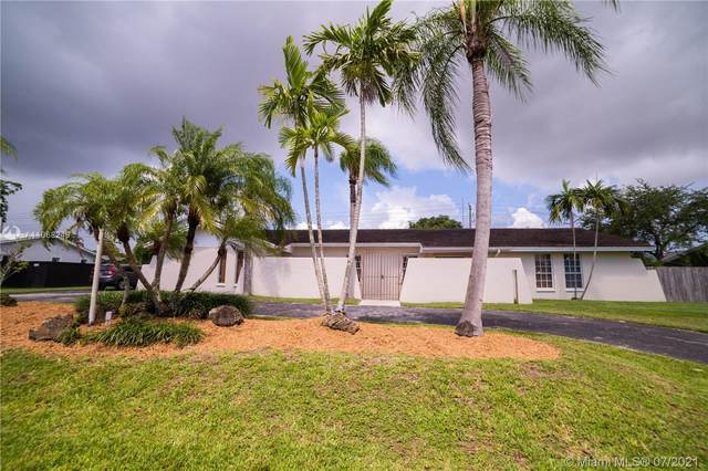12504 SW 99th Ave, Miami, FL 33176 (MLS #A11068249) :: Carole Smith Real Estate Team