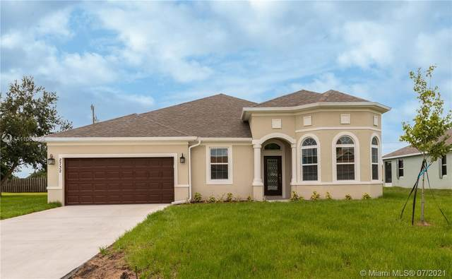 2732 SW Palace Ave, Port Saint Lucie, FL 34987 (MLS #A11068306) :: The Teri Arbogast Team at Keller Williams Partners SW