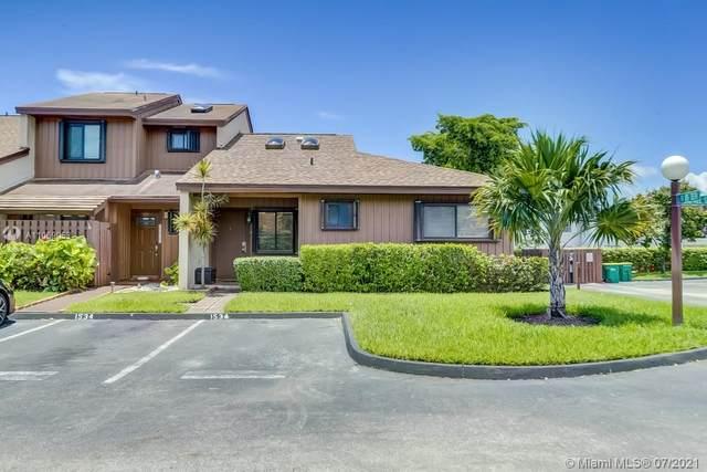 1534 Gabriel #1, Hollywood, FL 33020 (MLS #A11069053) :: Green Realty Properties