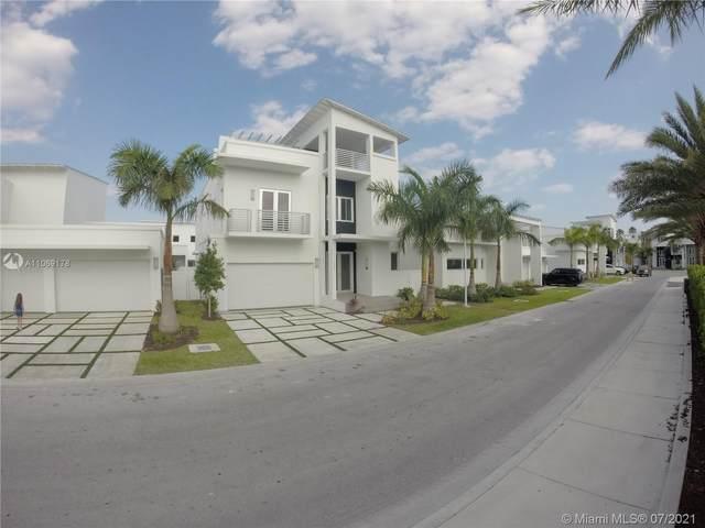 3421 NW 84th Ave, Doral, FL 33122 (MLS #A11069178) :: Jo-Ann Forster Team