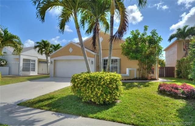 23090 Floralwood Ln, Boca Raton, FL 33433 (MLS #A11069184) :: Team Citron