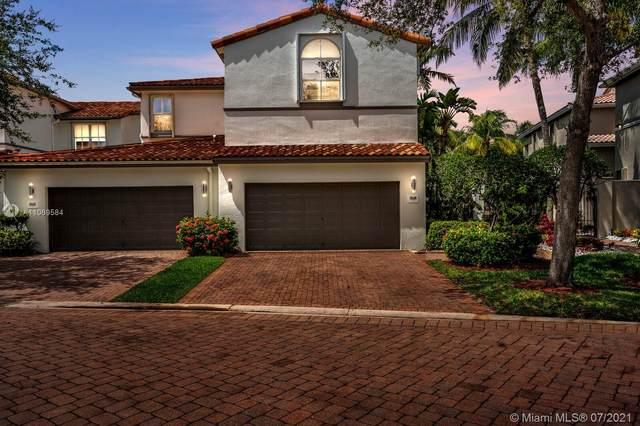 878 W Spinnaker Dr W, Hollywood, FL 33019 (MLS #A11069584) :: Castelli Real Estate Services