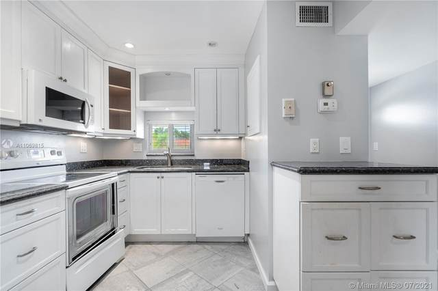 Pembroke Pines, FL 33025 :: Berkshire Hathaway HomeServices EWM Realty