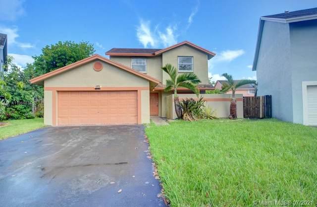 9771 SW 14th Street #9771, Pembroke Pines, FL 33025 (MLS #A11069834) :: Castelli Real Estate Services