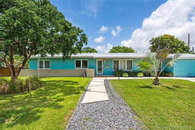 5850 SW 62nd Pl, South Miami, FL 33143 (MLS #A11069847) :: The Riley Smith Group