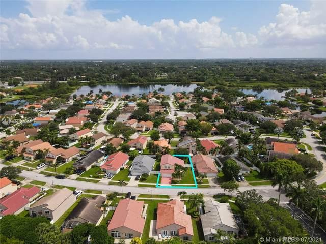 18111 NW 18th St, Pembroke Pines, FL 33029 (MLS #A11069906) :: Equity Advisor Team