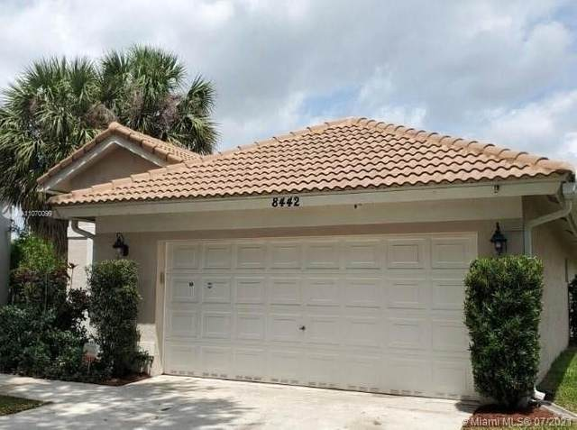 8442 NW 57th Dr, Coral Springs, FL 33067 (#A11070099) :: Posh Properties