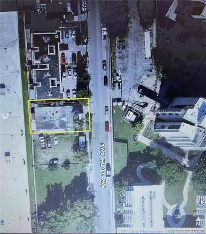 940 SW 30th Ave, Miami, FL 33135 (MLS #A11070116) :: Team Citron