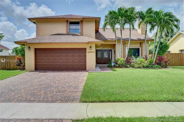 9840 SW 8th St, Pembroke Pines, FL 33025 (MLS #A11070337) :: Re/Max PowerPro Realty