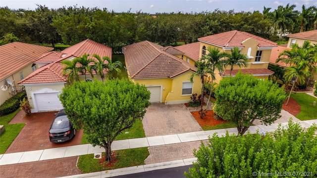 2313 NE 37th Rd, Homestead, FL 33033 (MLS #A11070395) :: Equity Advisor Team