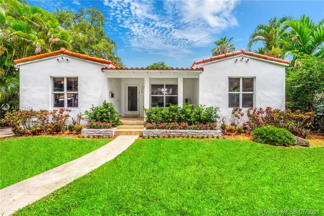 239 Fluvia Ave, Coral Gables, FL 33134 (MLS #A11070470) :: The Howland Group