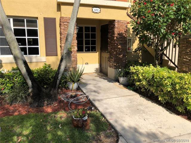 985 NE 33rd Ter #102, Homestead, FL 33033 (MLS #A11070691) :: Castelli Real Estate Services