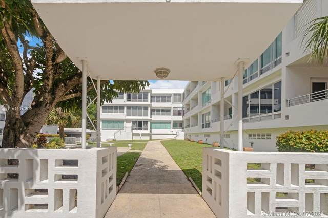 10240 Collins Ave #106, Bal Harbour, FL 33154 (MLS #A11070839) :: Equity Realty