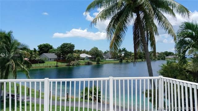 21805 SW 98th Pl, Cutler Bay, FL 33190 (MLS #A11070903) :: Equity Advisor Team