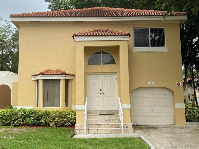 11297 Lakeview Dr, Coral Springs, FL 33071 (MLS #A11070948) :: Douglas Elliman