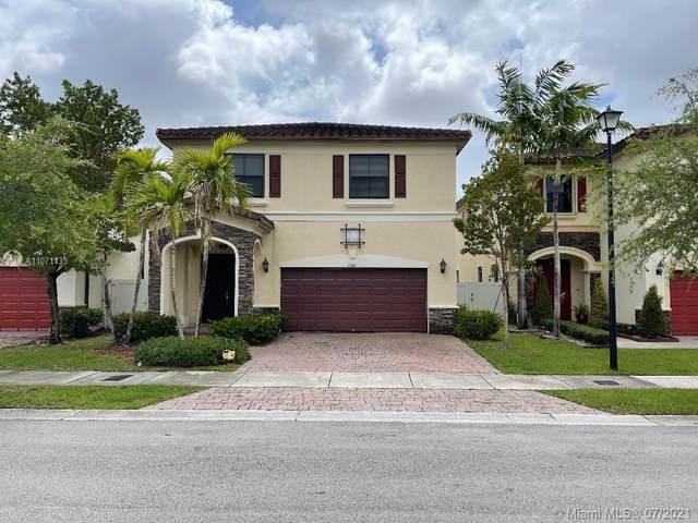 8841 W 34th Ct, Hialeah, FL 33018 (MLS #A11071135) :: The Howland Group
