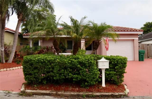 8558 SW 210th Ter, Cutler Bay, FL 33189 (MLS #A11071385) :: Rivas Vargas Group