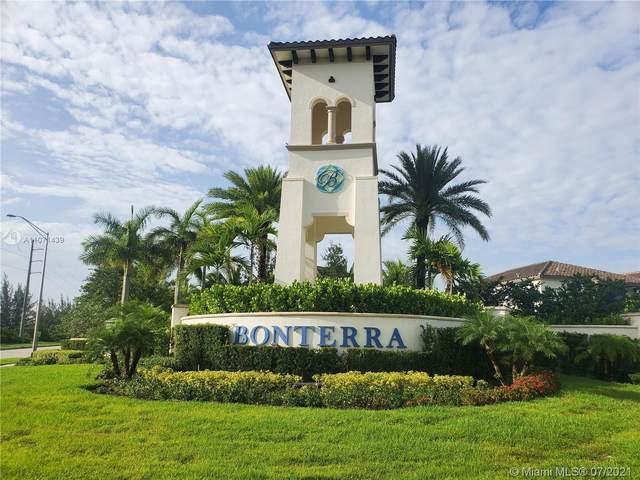 9350 W 32 Lane #9350, Hialeah Gardens, FL 33018 (MLS #A11071439) :: Castelli Real Estate Services