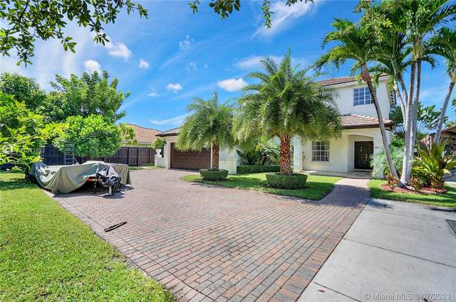 9874 SW 159th Pl, Miami, FL 33196 (MLS #A11071722) :: The Howland Group