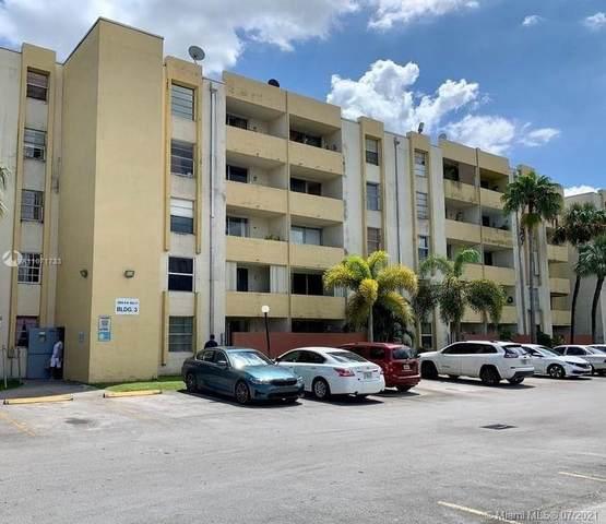 10000 NW 80th Ct #2112, Hialeah Gardens, FL 33016 (#A11071733) :: Dalton Wade