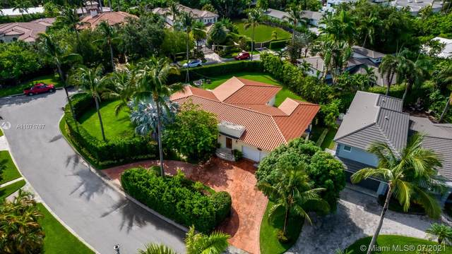 175 Camden Dr, Bal Harbour, FL 33154 (MLS #A11071767) :: The Howland Group