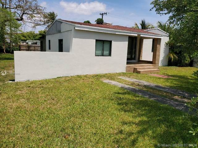 5759 SW 42nd St, Miami, FL 33155 (MLS #A11071892) :: The Teri Arbogast Team at Keller Williams Partners SW