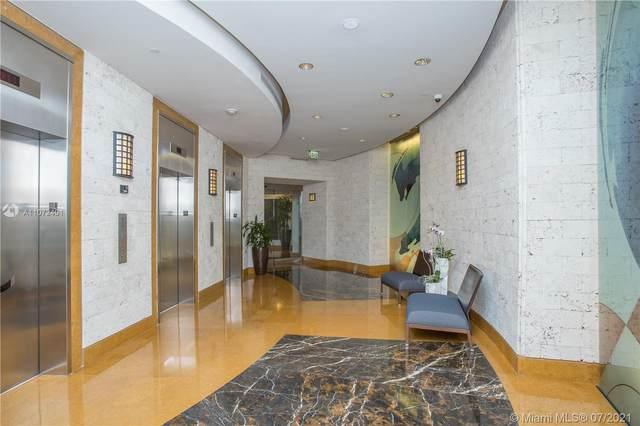 801 Brickell Key Blvd 2808, Miami, FL 33131 (MLS #A11072401) :: The Howland Group