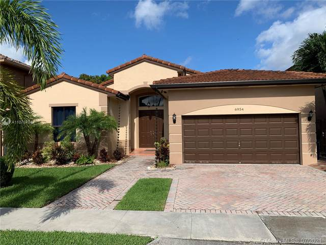 6954 SW 159th Ave, Miami, FL 33193 (MLS #A11072434) :: The Teri Arbogast Team at Keller Williams Partners SW