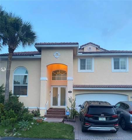 8159 SW 158th Pl, Miami, FL 33193 (MLS #A11072624) :: Team Citron