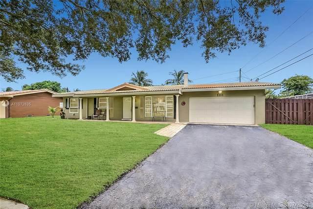 1111 NW 74th Way, Plantation, FL 33313 (MLS #A11072635) :: Prestige Realty Group