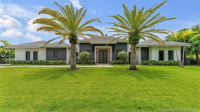 11955 SW 95th Ave, Miami, FL 33176 (MLS #A11072717) :: The Teri Arbogast Team at Keller Williams Partners SW