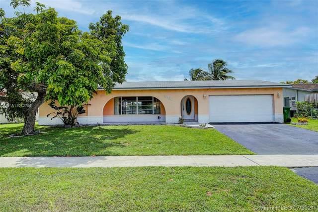 8960 NW 7th Ct, Pembroke Pines, FL 33024 (MLS #A11072755) :: Prestige Realty Group