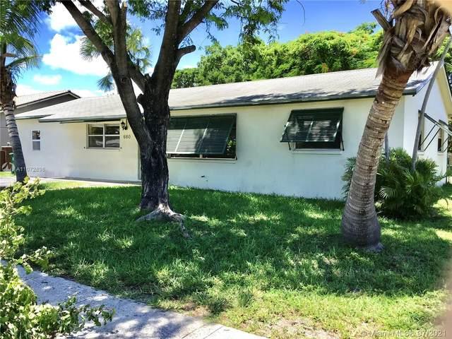 660 W 36th St, Riviera Beach, FL 33404 (MLS #A11072898) :: Prestige Realty Group