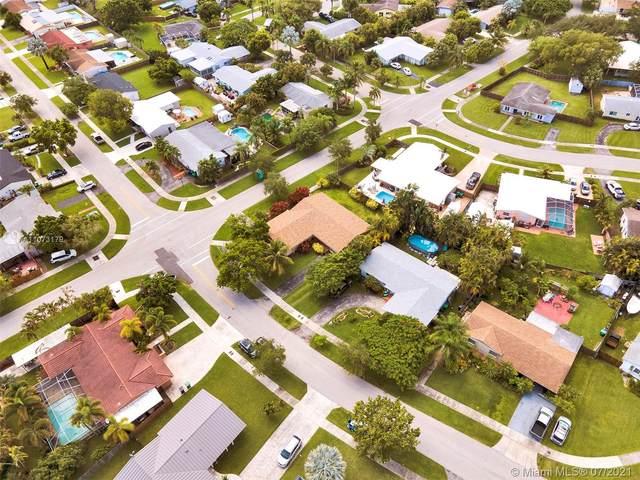 9404 SW 185th St, Cutler Bay, FL 33157 (MLS #A11073179) :: Rivas Vargas Group
