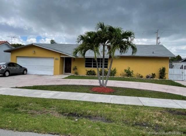 11165 SW 112th Ter, Miami, FL 33176 (MLS #A11073210) :: Carole Smith Real Estate Team