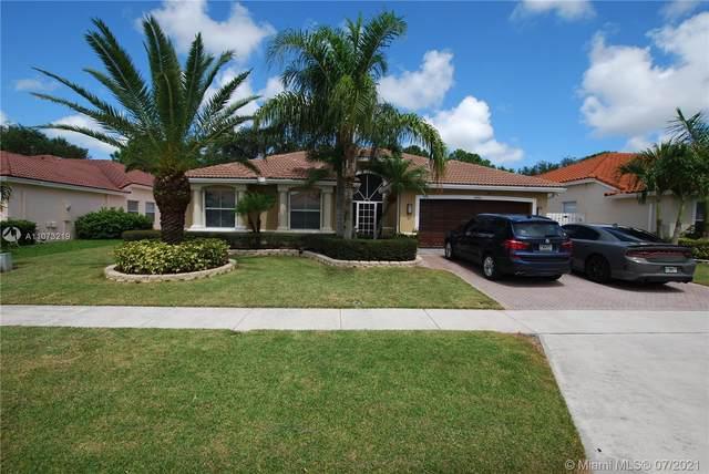 6166 Sand Hills Cir, Lake Worth, FL 33463 (#A11073219) :: Posh Properties
